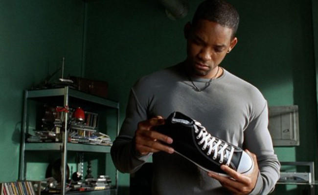 Will Smith with shoe in I, Robot