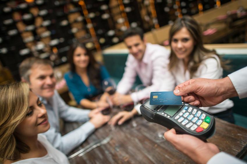 chip card transaction at restaurant